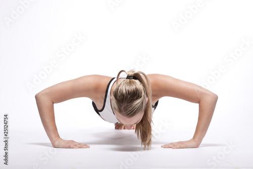 Fototapeten,liegestütz,frau,workout,reduzieren