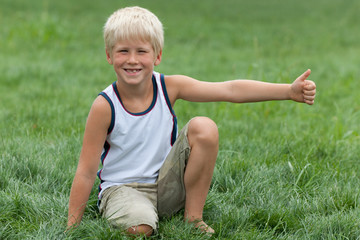 Blond kid with great mood