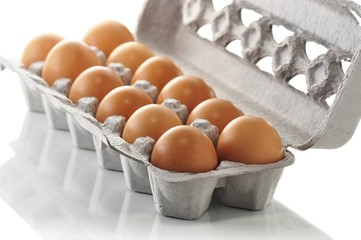 brown eggs in the box