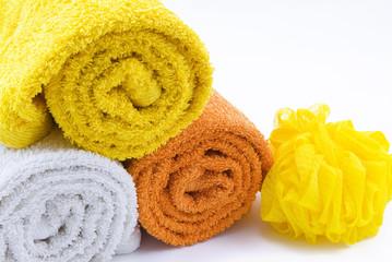 Tres toallas y una esponja