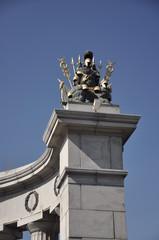 Бородинский мост.Фрагмент скульптурного ансамбля.