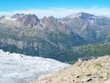 Refuge au bord du glacier poster