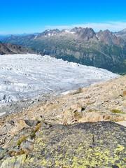 Glacier et rochers