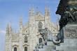 Duomo Milano con statua