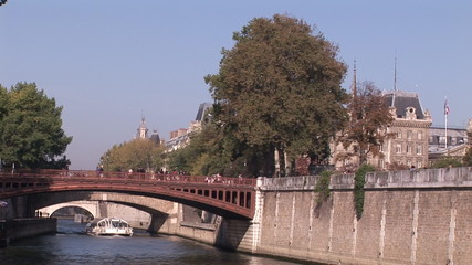 view of a famous bridge in Paris