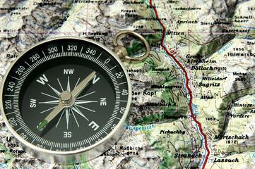 Bergwandern mit Kompass