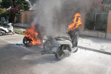 scooter in fiamme