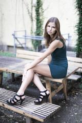 Model im Garten