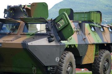 véhicule militaire blindé