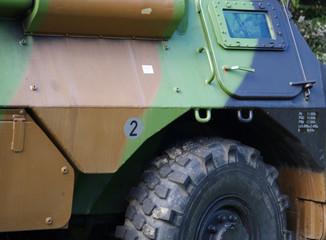 détail de véhicule militaire blindé