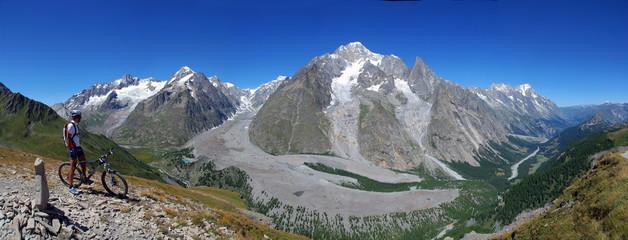 MTB con il Monte Bianco