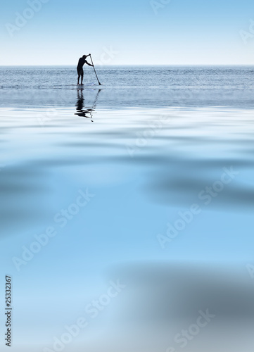 paddle board sport rame ramer surf mer océan glisse individuel
