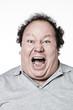 homme obèse cri de colère frustration