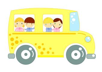 scuola bus giallo con bambini a bordo