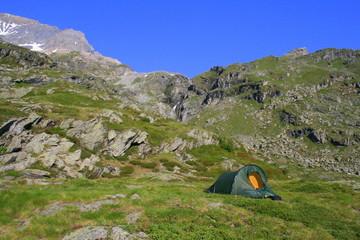 Zelt in der Landschaft