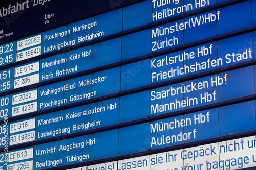 Anzeigetafel im Bahnhof Stuttgart