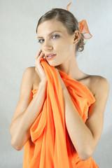 pomarańczowa dziewczyna