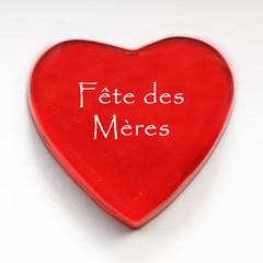 coeur rouge fête des mères