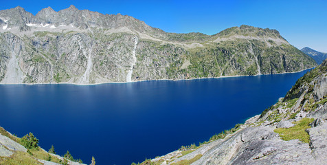 Lac de Cap-de-Long is a lake in French Hautes-Pyrénées