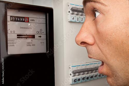 Strompreis-Erhöhung - 25392941