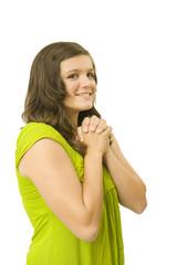 jeune fille joignant les mains