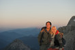 Österreich, Steiermark, Dachstein, Paar beim Wandern