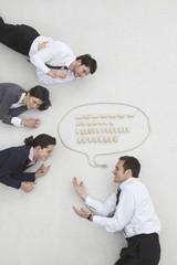 Geschäftsleute und Sprechblase