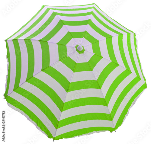parasol de plage bandes vertes et blanches fond blanc from unclesam royalty free stock photo. Black Bedroom Furniture Sets. Home Design Ideas