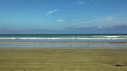 pedalando sulla spiaggia
