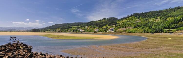 Ria de Villaviciosa en bajamar,Asturias,España
