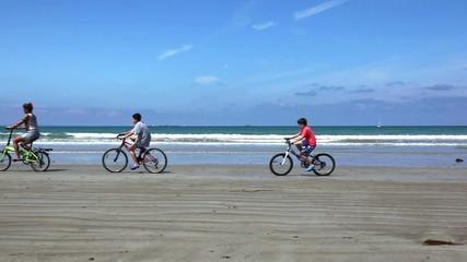 biciclette sulla spiaggia