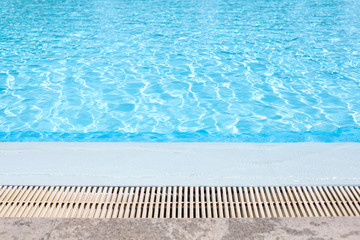 Borde de la piscina
