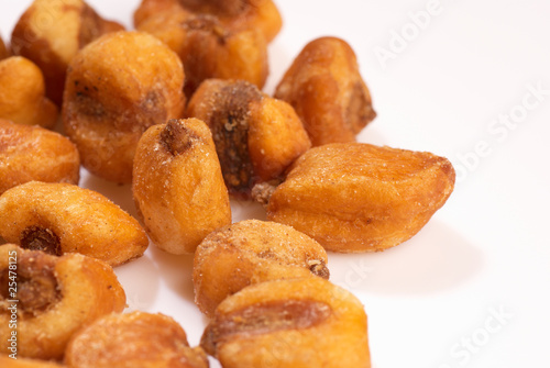 Fried corn seeds