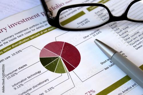 Leinwanddruck Bild financial portfolio review