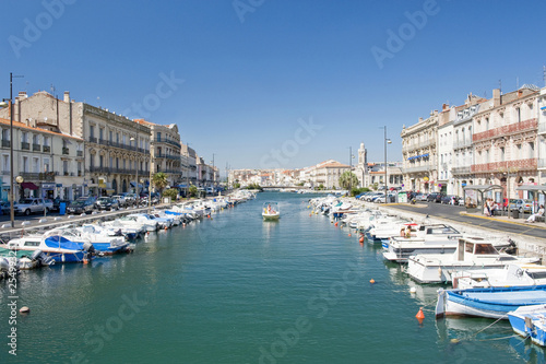 Papiers peints Canal Sete Harbor in Southern France