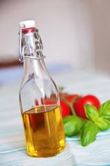 Olivenöl, Tomaten & Basilikum