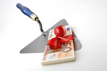 Maurerkelle mit Geldgeschenk