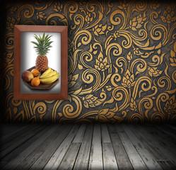 Frame fruit color on the walls of color shift patterns