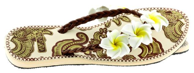 sandalette fleurie, fond blanc
