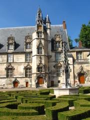 Palais épiscopal de Beauvais