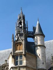 Détail toit du palais episcopal de Beauvais