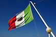 Bandiera italiana al vento