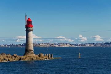 Phare au large de Saint Malo et Dinard, Bretagne - France