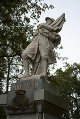 Statue combatant