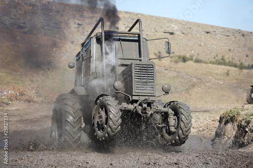Tractor mud racing