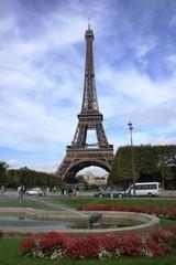 jet d'eau et Tour Eiffel