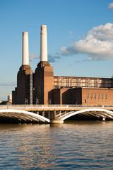 Battersea power station and bridge