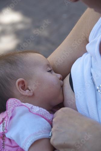 Newborn Baby Breastfeeding t-shirt