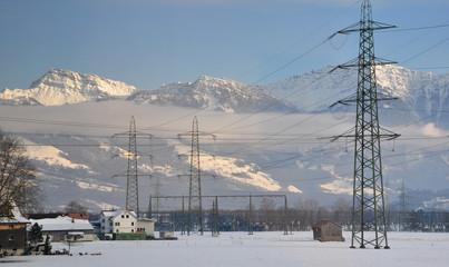 vallée alpine sous la neige