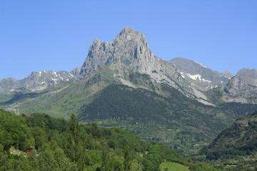 Montaña del Pirineo, Foratata